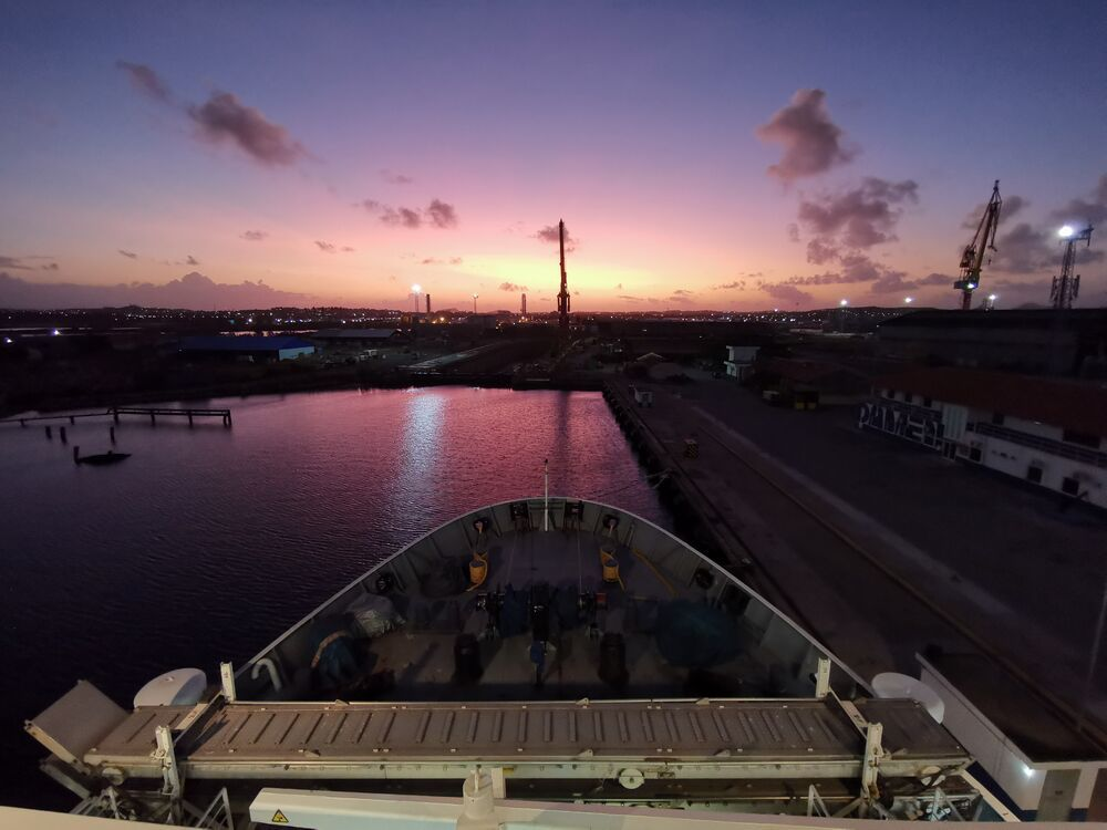 Curaçao: Willemstad, Curaçao :: Sunrise ahead of Logos Hope going into dry dock. More Info