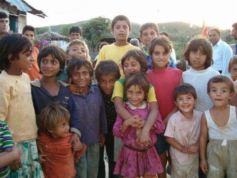Photo: Albania gypsy children - OM News