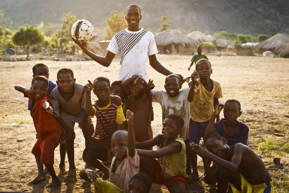 Zambia: Sunday, one of the Honest Boys, with a soccer team created by the just one ball approach. More Info