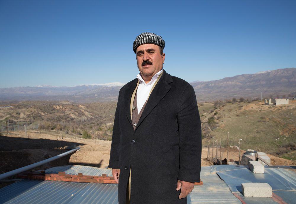 Kurdish man offers hospitality. Photo by Jacob Carter