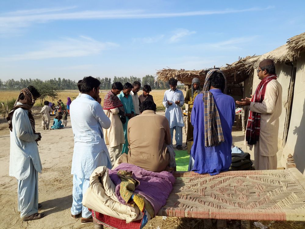 Pakistan: Prayer in villages throughout Pakistan strengthen families and communities. More Info