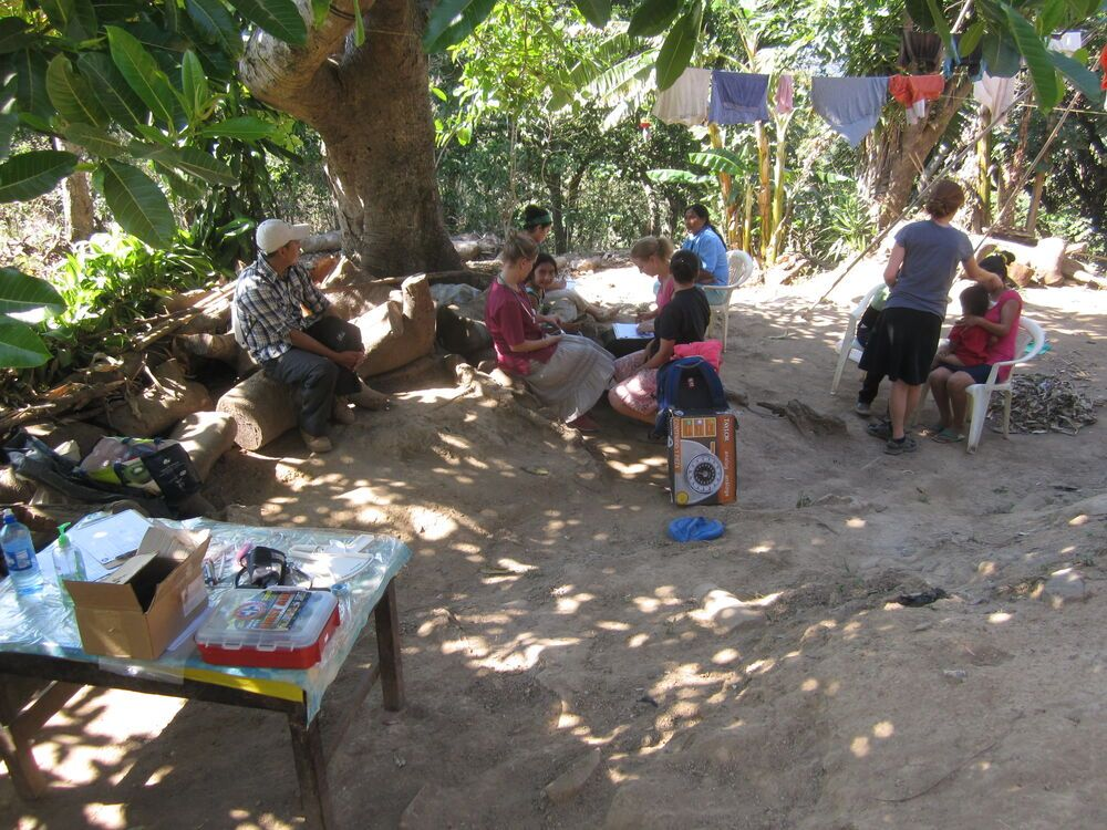El Salvador: Members of OM El Salvador are visiting families in the community of La Ceiba, taking care of their health and sharing about the power of Christ in their lives. More Info