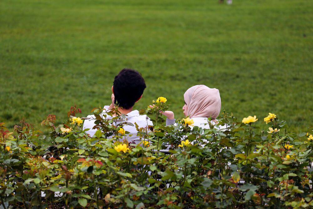 Arab tourists enjoy their holiday in Interlaken, Switzerland. Photo by Anja B.