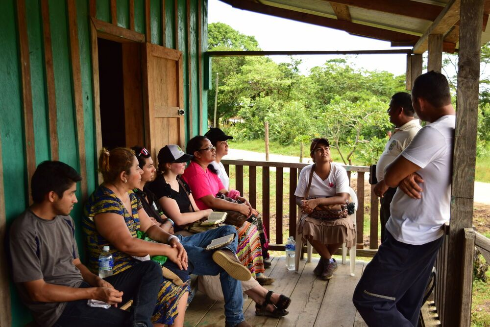 El Salvador: Volunteers from El Salvador, sharing the Gospel with a family, in La Moskitia- Honduras. More Info