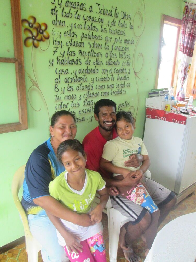 Ecuador: Juan and Verónica have been the family of peace like the man of peace of John 15: 6 for the OM team returning to serve in Santay Island among the fishermen and their families. More Info