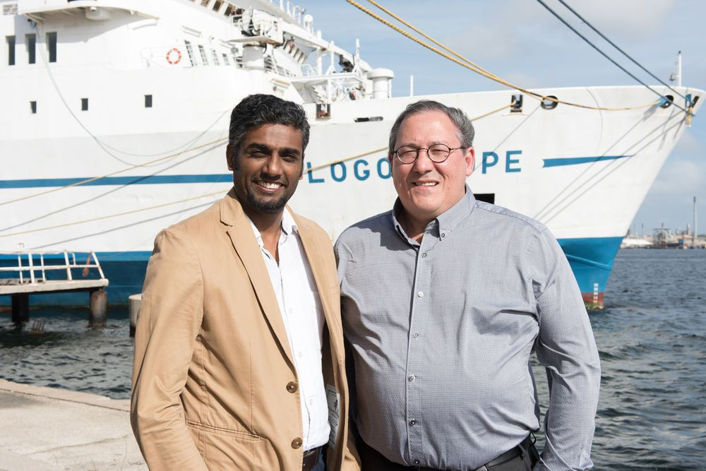 Ships: Willemstad, Curacao :: Seelan Govender (South Africa, left) succeeds Peter Nicoll (South Africa) as CEO on 1st May. More Info