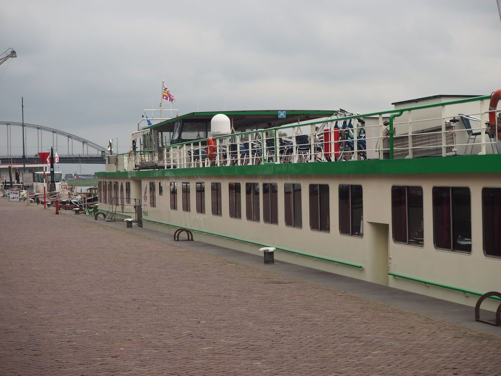 Netherlands: Riverboat Andante berthed in Arnhem, Netherlands, where it will pick up the 80 crew of the OM Riverboat sailing to six ports in three countries (Netherlands, Germany, France) in the first three months of 2018, starting at Mission Net. More Info
