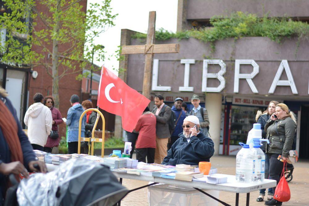 An OM team distributes Turkish language literature in the UK.