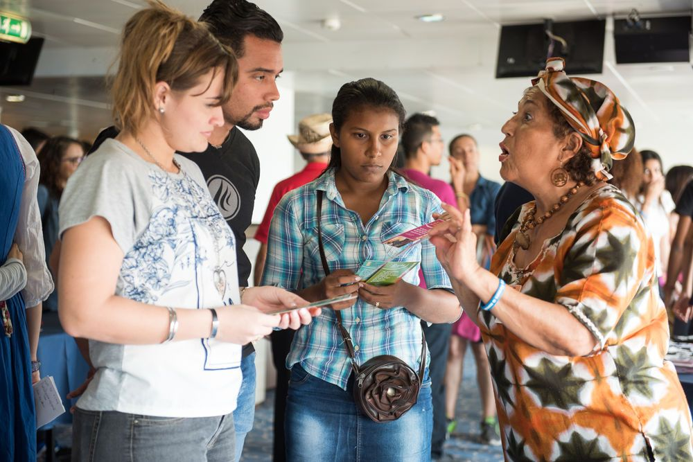 Barranquilla, Colombia :: WEC missionary Jazmin Abuabara (Colombia) gives information about Africa at the missions fair on board.
