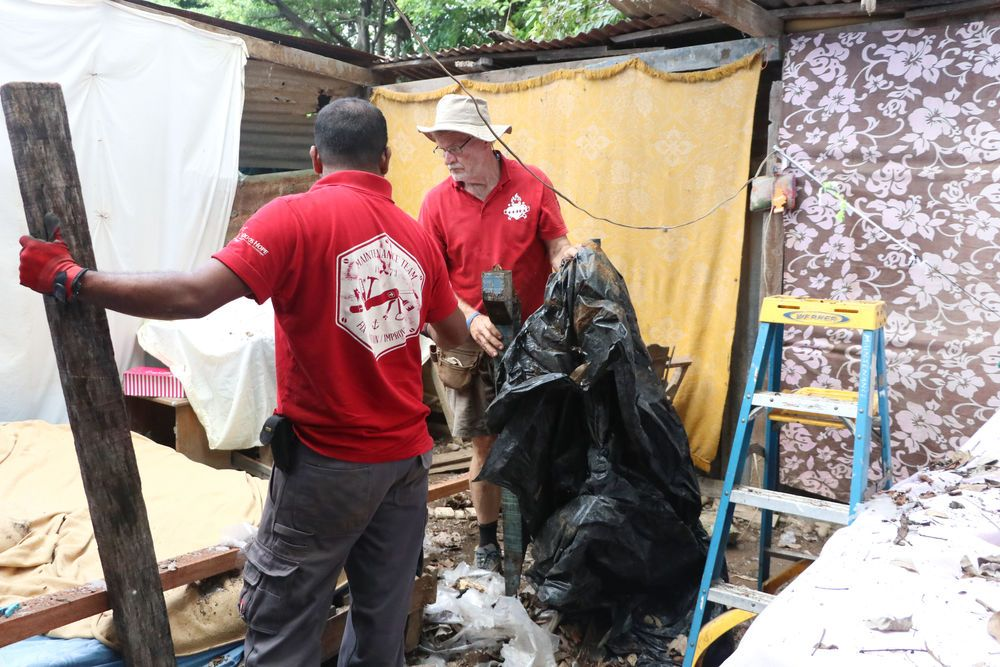 Costa Rica: Puntarenas, Costa Rica :: Gary Joseph (Trinidad and Tobago) and David Schimdt (Paraguay) help fix a house. More Info