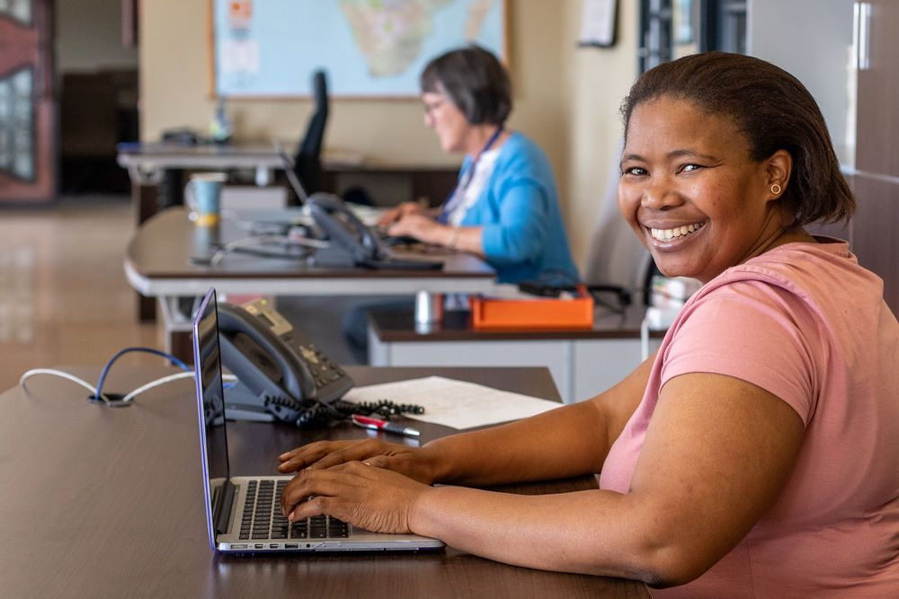 Esther Banzi (South Africa) working at The Link in South Africa. Esther does administrative work for AIDSLink, finances for OM in the Netherlands and is involved in the leadership of Transform.