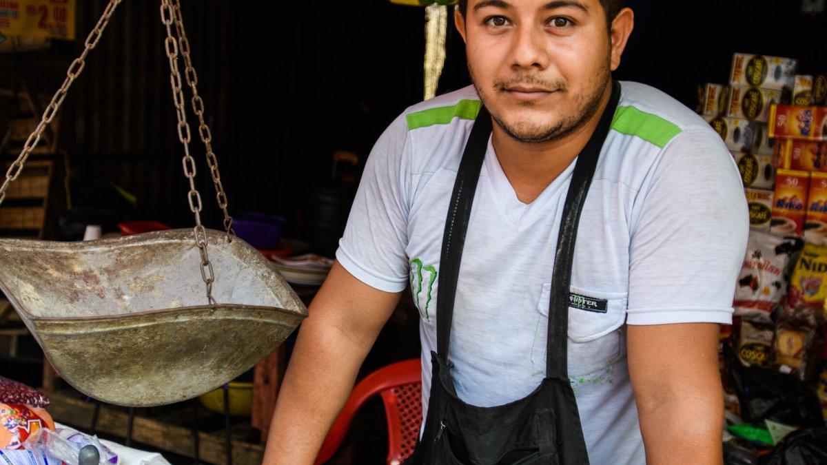 An young Salvadorian man (3-4) - Photo by Garrett N