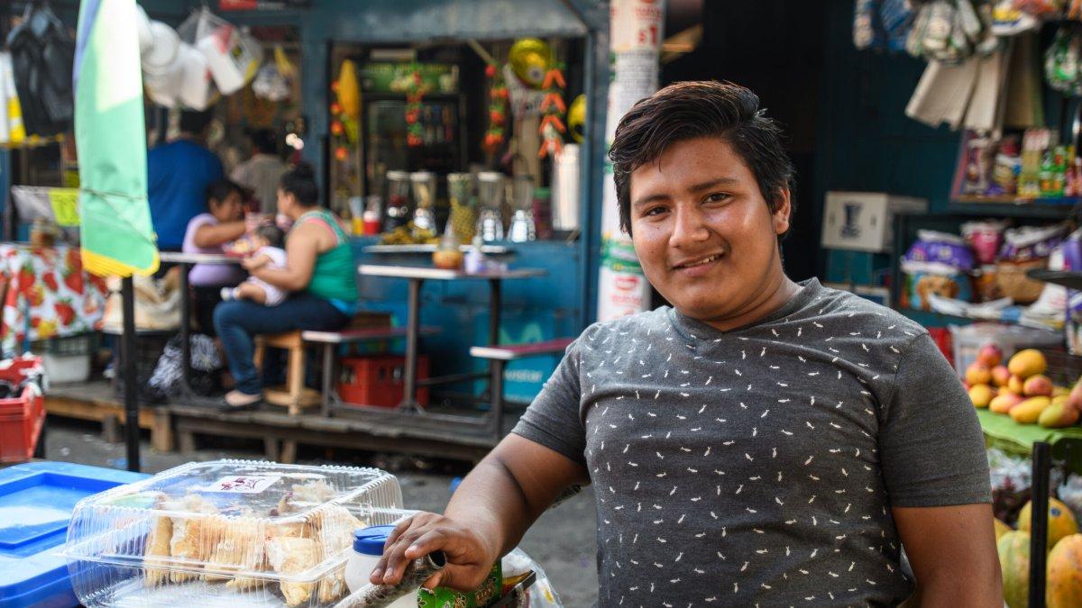 An young Salvadorian man (4-4) - Photo by Garrett N