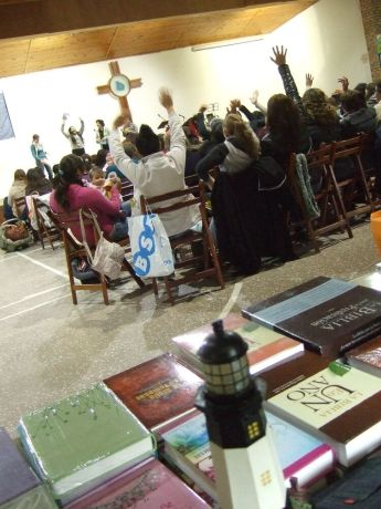 Uruguay: The team from OM Uruguay attends different conferences, here a womans conference in Ciudad de la Costa, bringing the little Christian bookstore along with them.  More Info