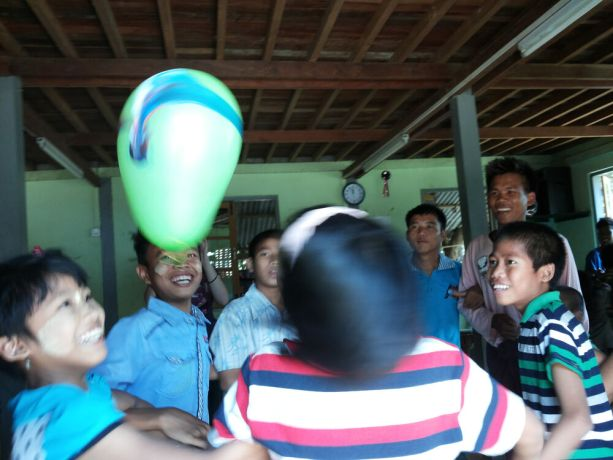 Myanmar: A team from OM Myanmar organised a fun programme of games for orphan children, to encourage them to see themselves as God sees them. More Info