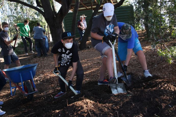 Australia: From washing windows to cutting grass; singing and speaking with residents; cooking a free sausage sizzle to face painting; every teenager at TeenStreet Australia 2014 was involved with the local community during the Hands and Feet Outreach. More Info