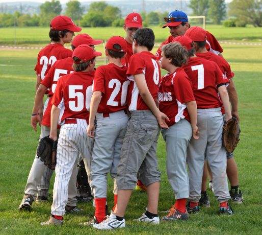 Hungary: OM Hungary Sportslink seeks to use baseball and softball help build relationships, teach biblical values and share the Gospel of Jesus with Hungarians.  