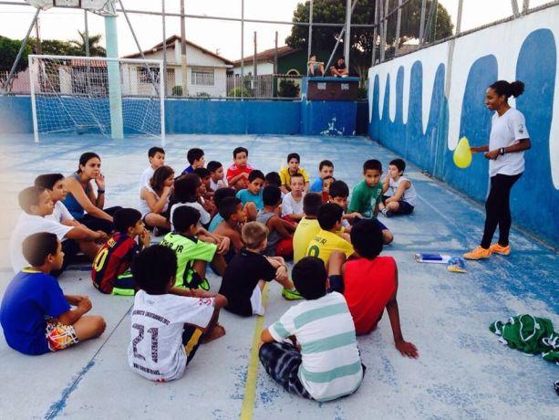 Brazil: Mafe de Campos, SportsLink Coordinator teaching a class More Info