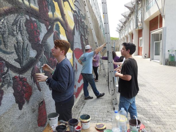 Kosovo: OM Incarnate artists collaborate with Kosovars to paint a mural in Suhareka, Kosovo. More Info