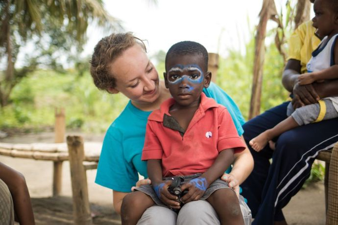 Ghana: Sekondi, Ghana :: Rebecca (USA) plays with a boy at Fathers Home orphanage. More Info