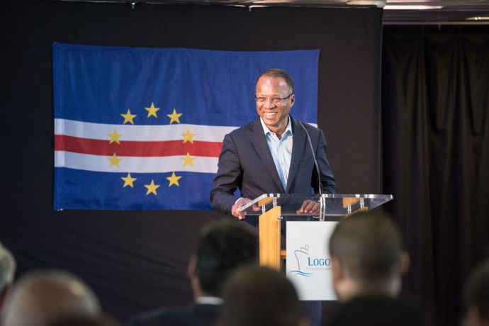 Cape Verde: Praia, Cape Verde :: Prime Minister Ulisses Correia e Silva makes a welcoming speech as he officially opens Logos Hope to the public More Info