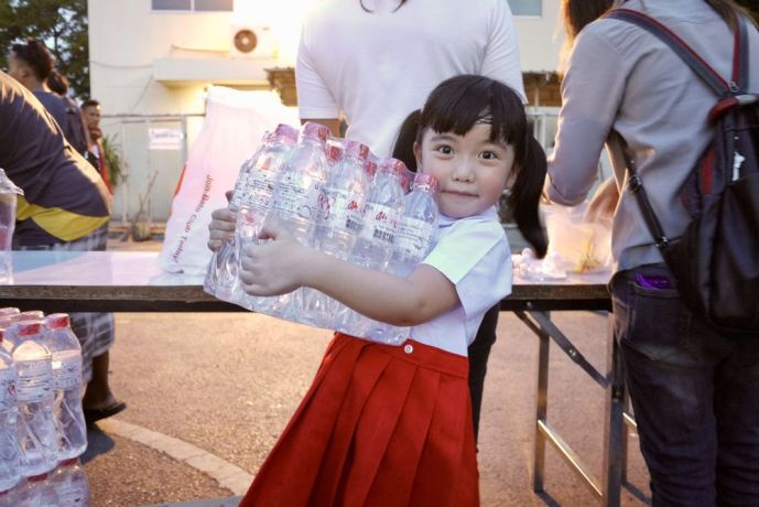 Thailand: Grace is a pastors kid who goes to the train station every Thursday with OM and visits more than 200 homeless people. We distribute boxed meals and water. More importantly, we share the living water through public worship and testimonies. More Info