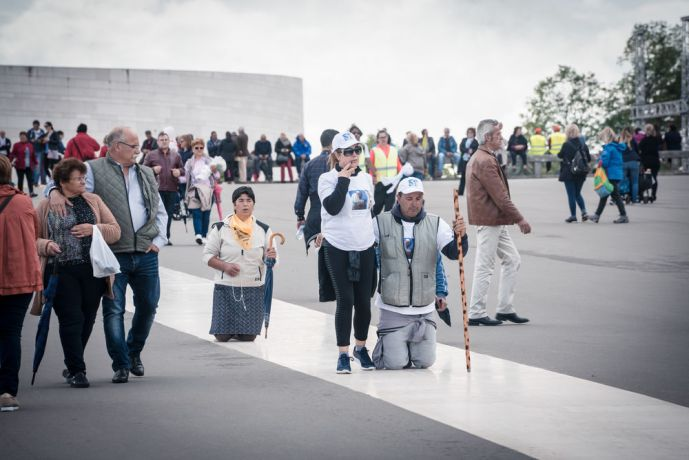Portugal: Pilgrims of all ages travel to the Fatima sanctuary in Portugal, where five locations along the walk were identified by OM Portugal and a variety of churches and mission agencies who together work to reach out during the Fatima Outreach in May 2017. More Info