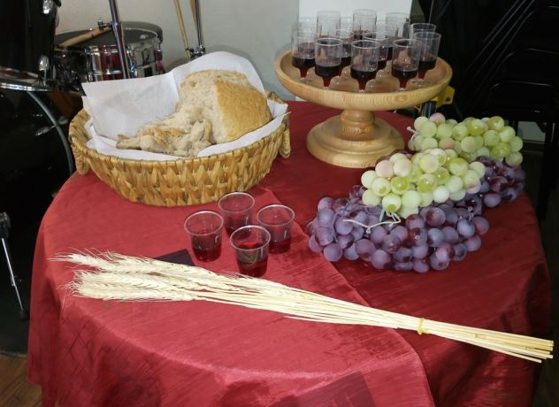 Bosnia & Hercegovina: Connecting with Christ and churches all of the world, the small church in Sarajevo is ready to partake in the Lords Supper. More Info