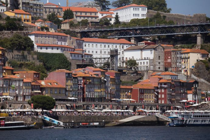 Portugal: The city of Porto (Portugal) has received Transform Surf teams for the last six years. More Info