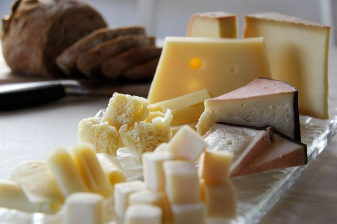 Switzerland: Cheese. Food from around the world More Info
