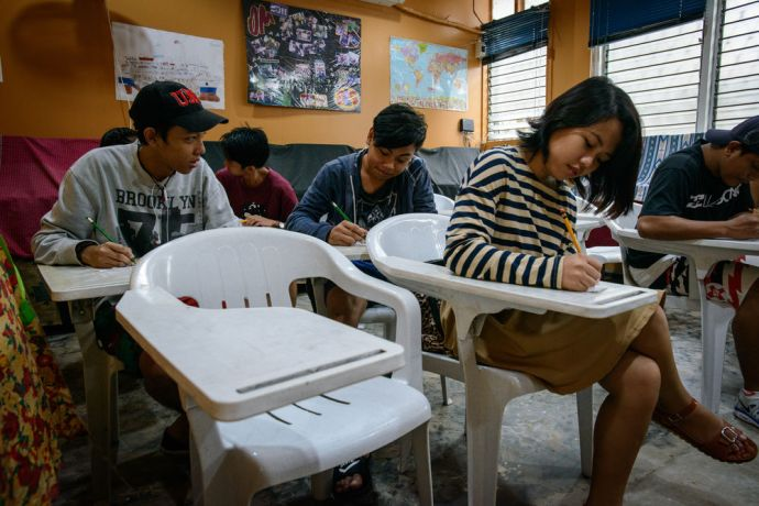 Philippines: Young Filipinos participate in OM Philippines Alternative Learning System, a learning institution for those who have dropped out of school or failed their exams. More Info