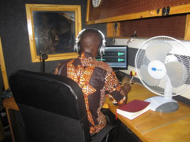Malawi: Going live at OM Malawis new radio station in Mangochi - Radio Lilanguka. More Info