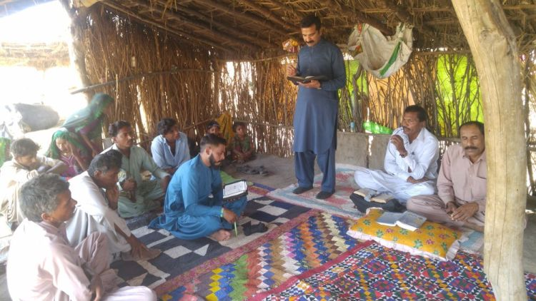 Pakistan: A group of tribal believers worshipping the Lord. More Info