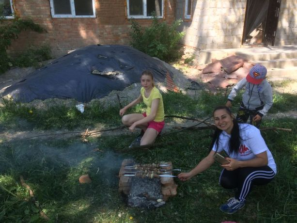 Ukraine: Sunday school club in Cherepashintsi, Vinnitsa province, Ukraine, had its end of year picnic last week. They are still in desperate need of a local volunteer to take over this club. More Info