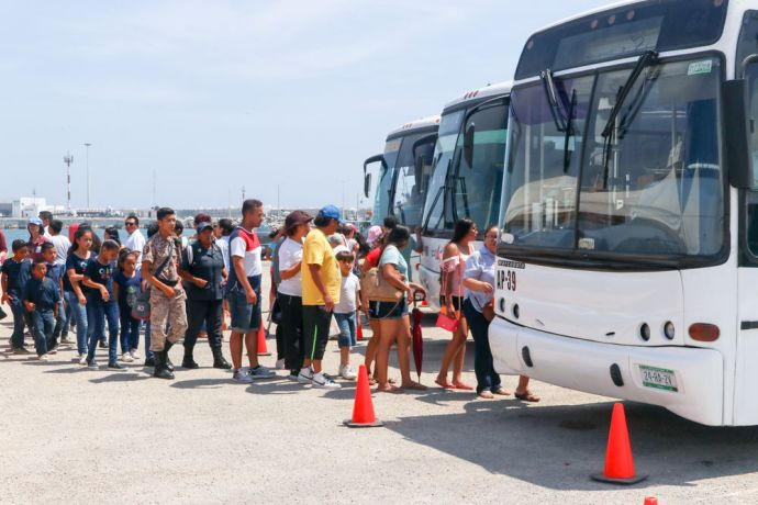 Mexico: Progreso, Mexico :: Visitors use buses to travel from the port gate to Logos Hope. More Info