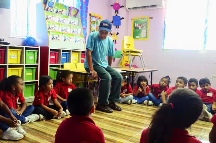 Panama: Balboa, Panama :: Vincente Dominguez (Canada) answers kindergarten childrens questions about Jesus. More Info