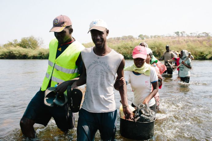Angola: OM Angola trainees reach out to bushmen during this outreach they cross the Okavango river. More Info