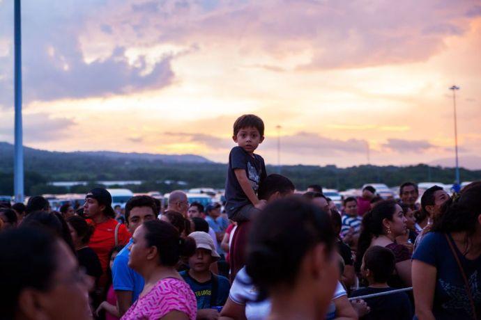 El Salvador: La Union, El Salvador :: Visitors wait in line on the quayside to board Logos Hope. More Info