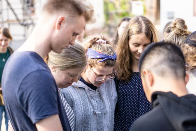 Germany: MDT Love Europe team members are praying before goint to their outreaches More Info