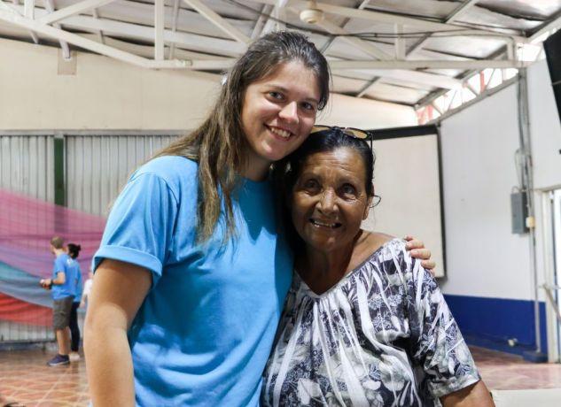 Costa Rica: Puntarenas, Costa Rica :: Renske Maasland (Netherlands) and Cecilia. More Info