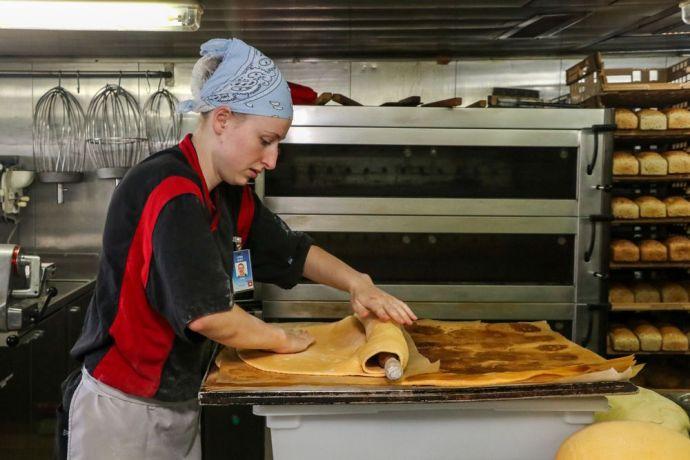 Ecuador: Manta, Ecuador :: Lydia Ruff (Switzerland) works in the bakery on board Logos Hope. More Info