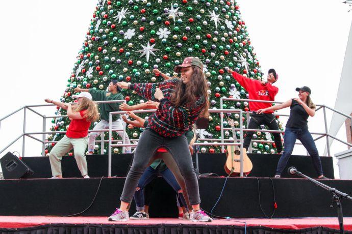 Ecuador: Guayaquil, Ecuador :: Crewmembers from Logos Hope perform a hip hop dance at an open air cultural event. More Info