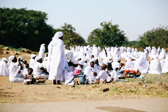Zimbabwe: Pseudo-Christian group Vapastori members waiting to gather. More Info