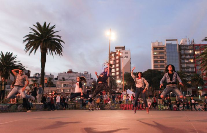 Uruguay: Montevideo, Uruguay :: Crewmembers perform a flash mob dance in the city to invite people to come on board Logos Hope. More Info