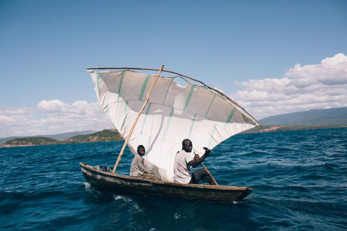 Zambia: Fishermen try to sell fish at Tanganyika lake. More Info