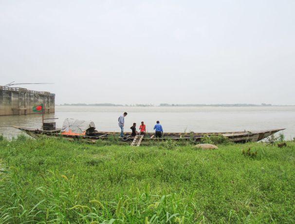 Bangladesh: Bangladesh :: Fishermen on their boat. More Info