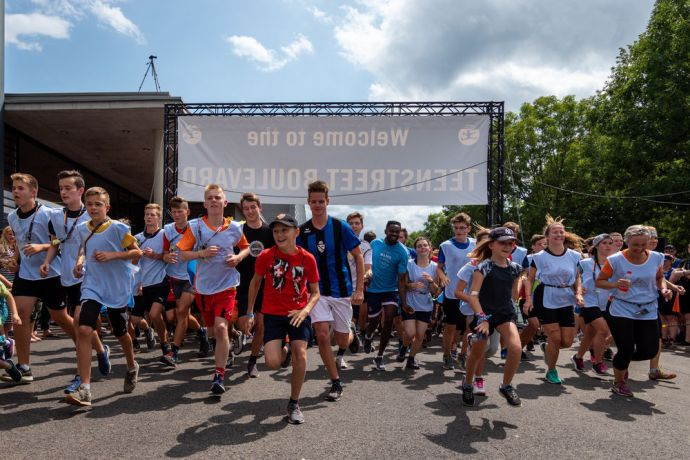 Germany: On Day 4, over 1200 runners raised money in the RAG race in order to help teen refugees in Europe and support new TeenStreets around the world. All in all they raised €85,453. More Info
