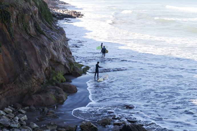 Argentina: Mar del Plata, Argentina :: Crewmembers practice surf to evangelise surfers during a ministry day. More Info