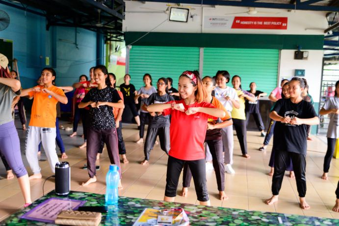Malaysia: Dance workshop at TeenStreet. More Info