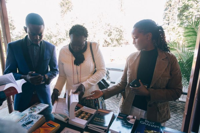 Zimbabwe: Jessica Shumba helps people choose a book to buy More Info